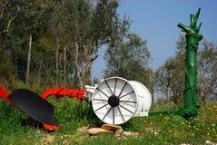 Arado colorido ao lado de uma estrada perto de ArquàPetrarca Vêneto Itália Foto de Stock