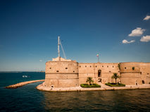 Aragonian castel w mieście Taranto, w południe ita obraz stock