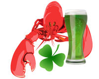 Aragosta con birra verde Immagine Stock Libera da Diritti