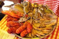 Aragoste, granchi e miscela del pesce Fondo fotografia stock libera da diritti