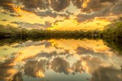 Araguaia-Fluss bei dem Sonnenuntergang Stockbild