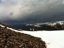 Arahapoe盆地春天雪急风 库存图片