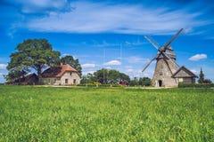 Araisi,拉脱维亚, 2015年,自然和磨房视图 库存图片