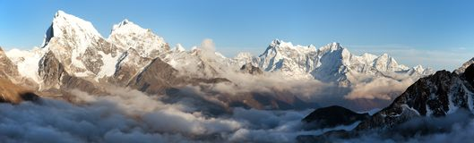 Arakam Tse, Cholatse and other peaks in Everest area. Panoramic scenery view from Gokyo Ri to Arakam Tse, Cholatse and other peak in Everest area - Sagarmatha Stock Photo