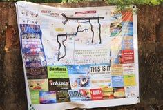 Arambol-Karte auf Backsteinmauer stockbilder