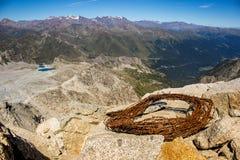 Arame farpado da primeira guerra mundial sobre a montanha de Presena, Itália Imagem de Stock