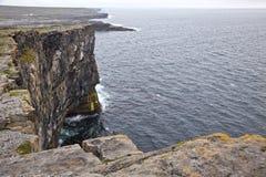 aran νησιά απότομων βράχων Στοκ Φωτογραφία