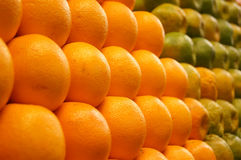 Arance fresche dell'azienda agricola da vendere Fotografie Stock
