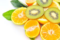 Aranci freschi ed affettato del kiwi Immagini Stock
