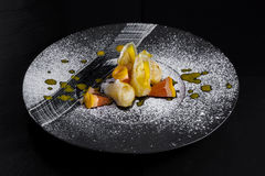 Arancia dolce sul nero Fotografia Stock Libera da Diritti
