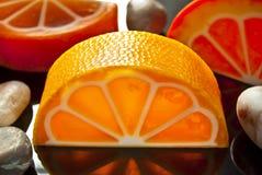 Arancia fatta a mano del sapone Fotografie Stock