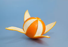Arancia piacevolmente sbucciata Fotografia Stock