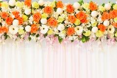 Arancia rosa ed orchidea Fotografie Stock Libere da Diritti