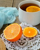 Arancia succosa in un taglio immagini stock