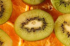 Arancio e kiwi affettati Fotografia Stock
