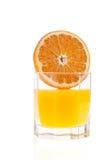 Arancio e spremuta Fotografie Stock Libere da Diritti