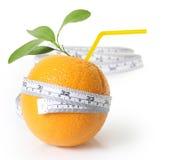 Arancio fresco con la misurazione Fotografie Stock