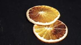 Arancio ingredienti per vino caldo, vin brulé video circolare Lento-Mo video d archivio