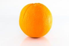 Arancio maturo isolato su bianco Fotografie Stock