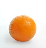 Arancio su una priorità bassa bianca Primo piano Immagine Stock