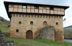 Aranguren dorretxea, Orozko & x28; Baskiskt land & x29; Royaltyfria Foton