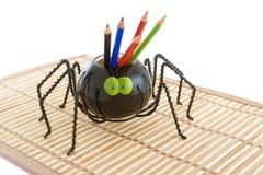 Aranha do brinquedo com lápis. Imagens de Stock Royalty Free