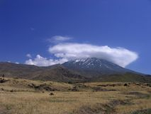 Ararat, der in der Wolkenschutzkappe sich versteckt Lizenzfreies Stockfoto