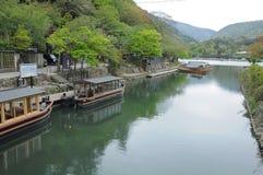Arashiyama河巡航,京都 免版税图库摄影