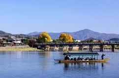 Arashiyama και μια γέφυρα στο Κιότο Ιαπωνία Στοκ φωτογραφία με δικαίωμα ελεύθερης χρήσης