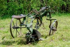 Aratro antico del cavallo utilizzato per coltivare i campi Immagini Stock Libere da Diritti