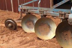 Aratro del trattore del primo piano Fotografia Stock