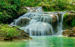 Arawan瀑布,北碧,泰国 免版税库存图片
