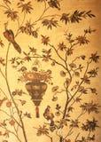 Arazzo mit Vogel und Blumen Stockfotos
