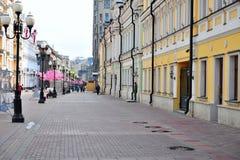 Arbat步行购物街道,莫斯科看法  库存图片