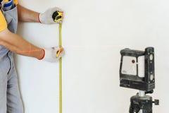 Arbeider die meting maken stock afbeeldingen