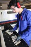 Arbeider in fabriek Stock Foto