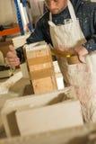Arbeider het Assembleren Vorm voor Pleistermodel stock afbeelding