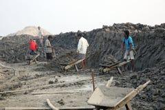 Arbeiders in brickyard Stock Foto
