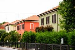 Arbeiders` huizen in Crespi D ` Adda, Bergamo, Italië stock fotografie