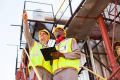 Arbeiders petrochemische installatie Stock Foto