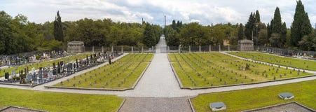 Arbeidersdorp van Crespi-d'Adda: het kerkhof Het beeld van de kleur royalty-vrije stock foto