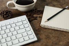 Arbeit mit der Tastatur stockbilder