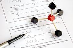 Arbeiten an der organischen Chemie Stockbild