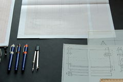 Arbeiten an einer technischen Zeichnung Stockbild
