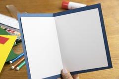 Arbeiten mit Papier Lizenzfreie Stockbilder