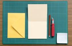 Arbeiten mit Papier Lizenzfreies Stockfoto