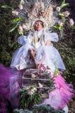 Arbeiten Sie Bild des sinnlichen Mädchens in hellem Fantasie Stylization um Lizenzfreies Stockfoto