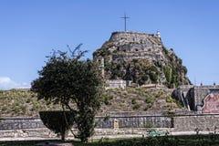 Arbeiten Sie durch die Zitadelle oder die alte Festung in Korfu-Stadt auf der griechischen Insel von Korfu im Garten Lizenzfreies Stockfoto