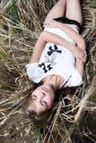 Arbeiten Sie Foto der jungen schönen Frau um Lizenzfreies Stockfoto