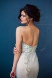 Arbeiten Sie Foto schöner Dame im eleganten Abendkleid um lizenzfreies stockfoto